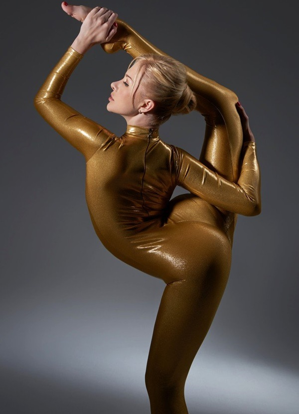 flexible-woman-julia- (11)