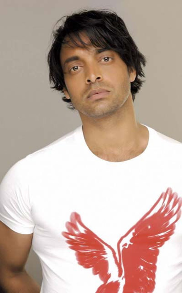shoaib-akhtar-hairstyles-for-nabila-salon- (5)