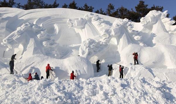 snow-sculptures- (7)