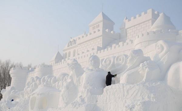 snow-sculptures- (8)
