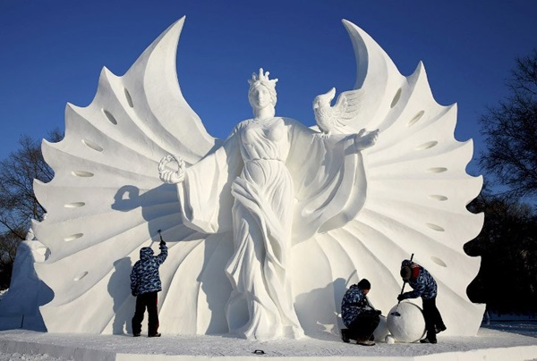 snow-and-ice-festival-in-harbin- (1)