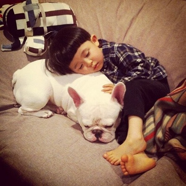 babies-with-dog- (11)