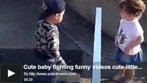 baby-fighting-