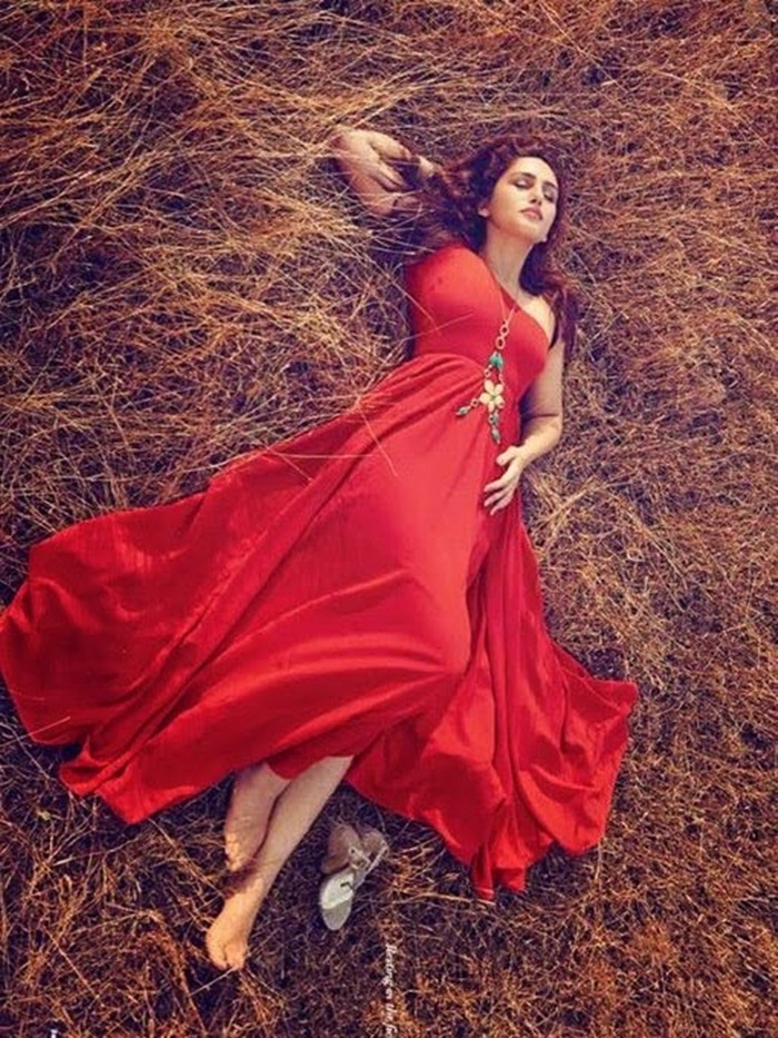 huma-qureshi-photoshoot-for-filmfare-magazine-april-2015- (4)