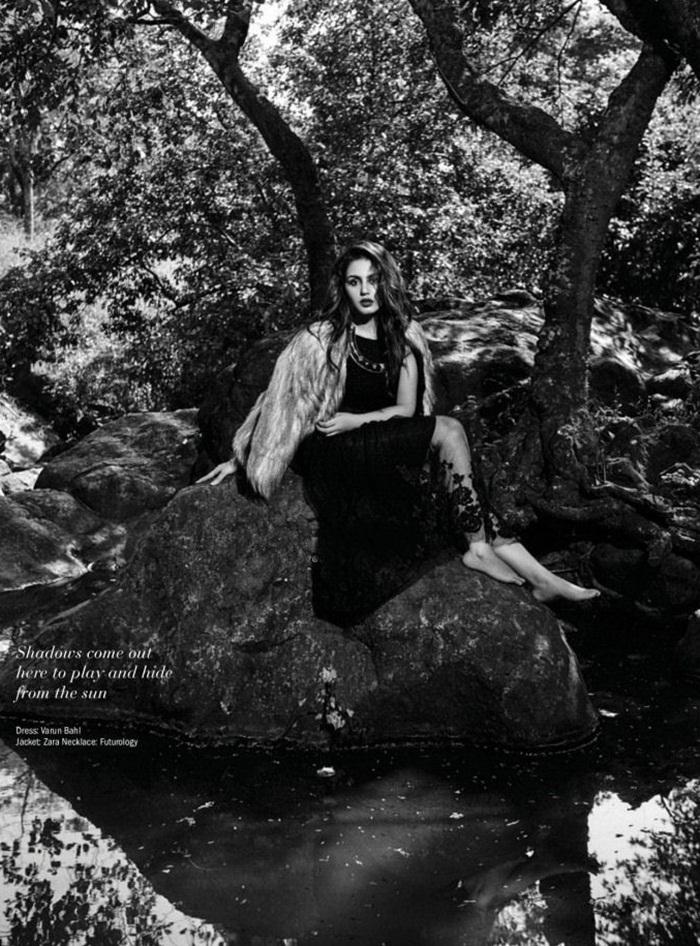 huma-qureshi-photoshoot-for-filmfare-magazine-april-2015- (6)
