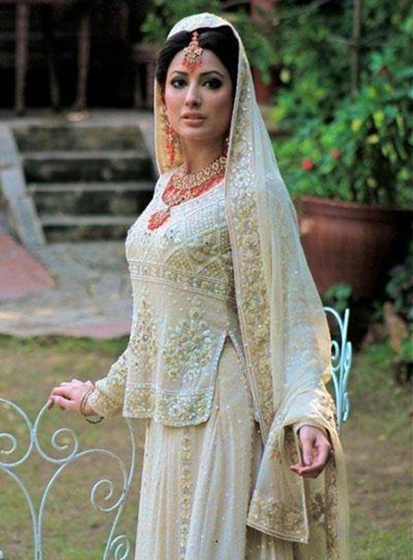 mehwish-hayat-bridal-makeover-photos- (2)