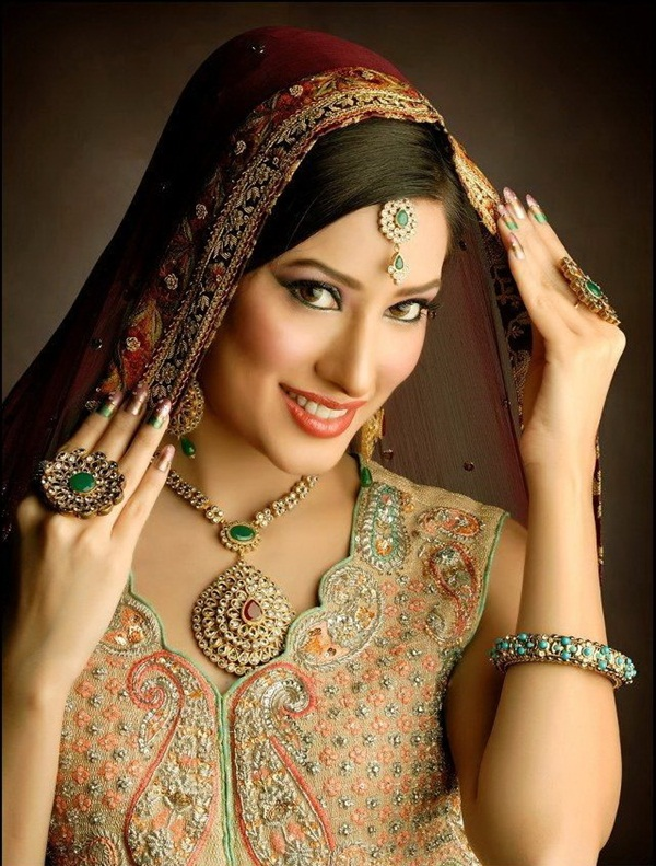 mehwish-hayat-bridal-makeover-photos- (6)