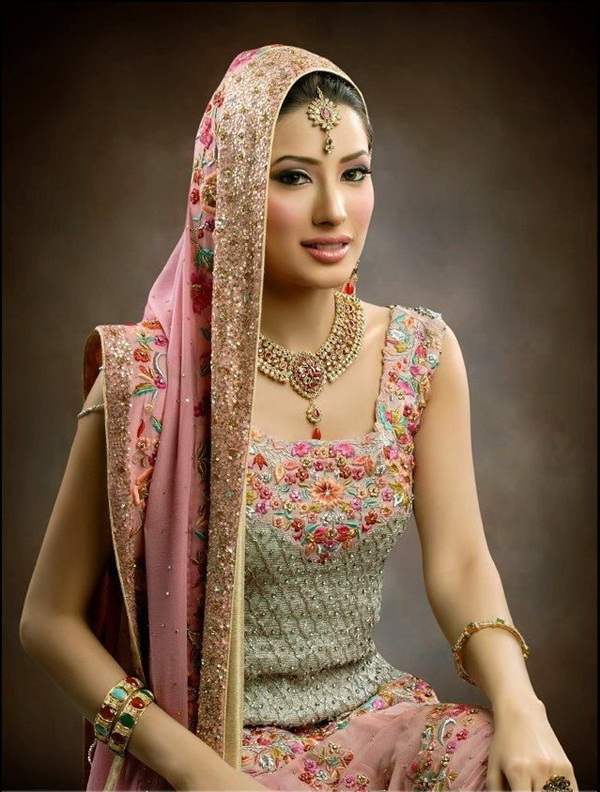 mehwish-hayat-bridal-makeover-photos- (7)