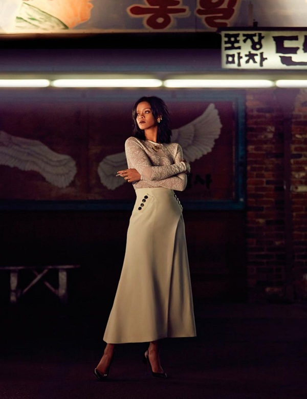 rihanna-photoshoot-for-w-magazine-korea-march-2015- (2)