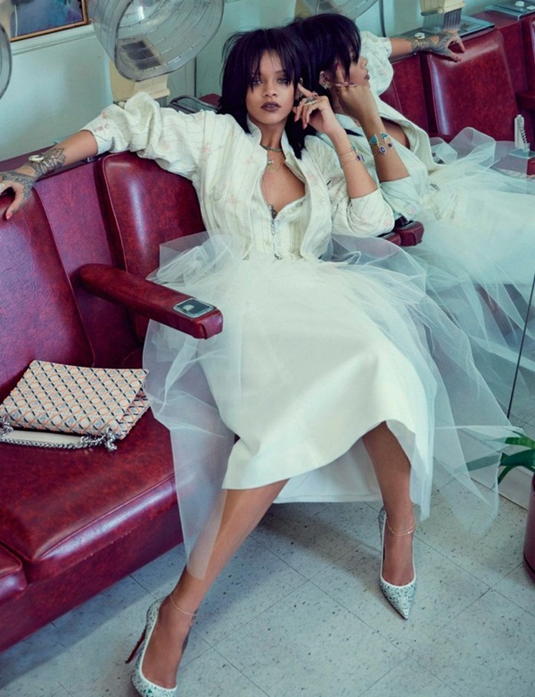 rihanna-photoshoot-for-w-magazine-korea-march-2015- (7)