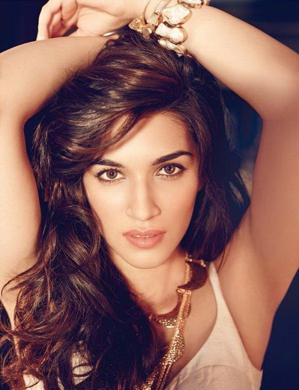 kriti-sanon-cover-shoot-for-filmfare-magazine-may-2015- (1)