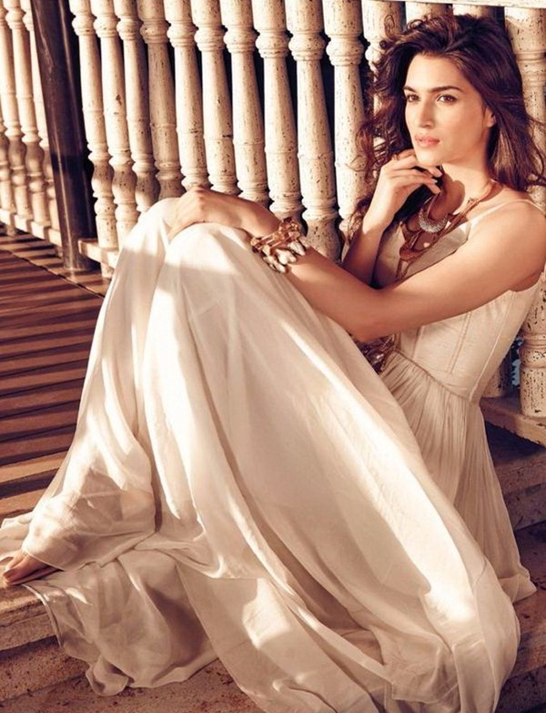 kriti-sanon-cover-shoot-for-filmfare-magazine-may-2015- (2)