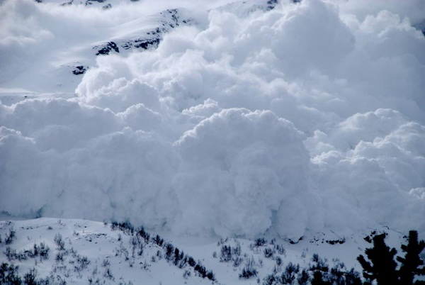 avalanches-in-photos- (1)