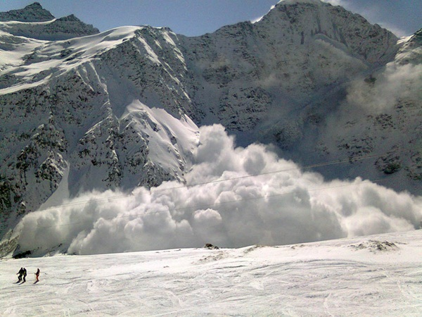 avalanches-in-photos- (12)