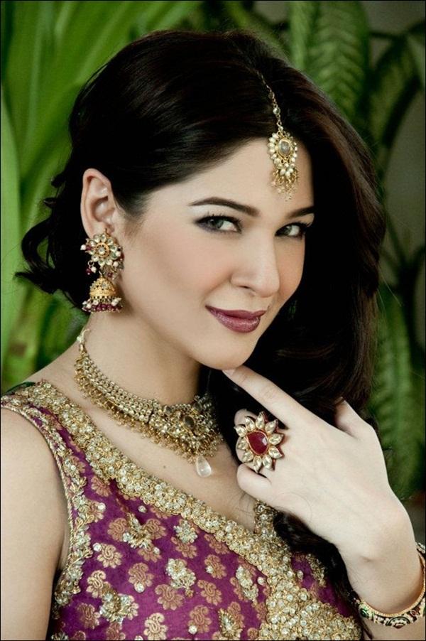 ayesha-omer-bridal-photoshoot- (3)