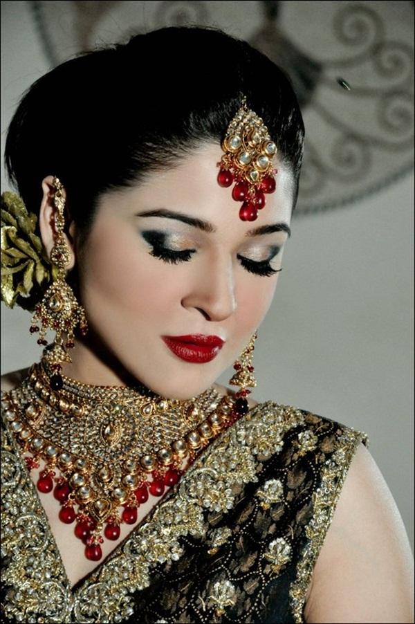 ayesha-omer-bridal-photoshoot- (5)