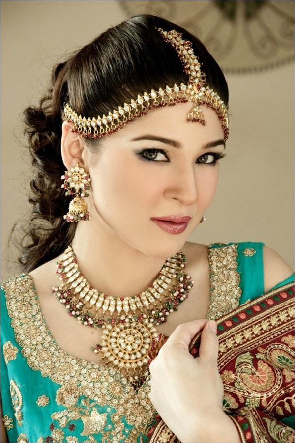 ayesha-omer-bridal-photoshoot- (6)