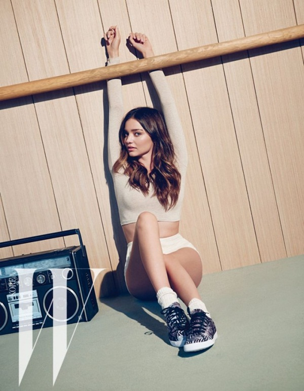 miranda-kerr-photoshoot-for-w-magazine-korea-june-2015- (1)