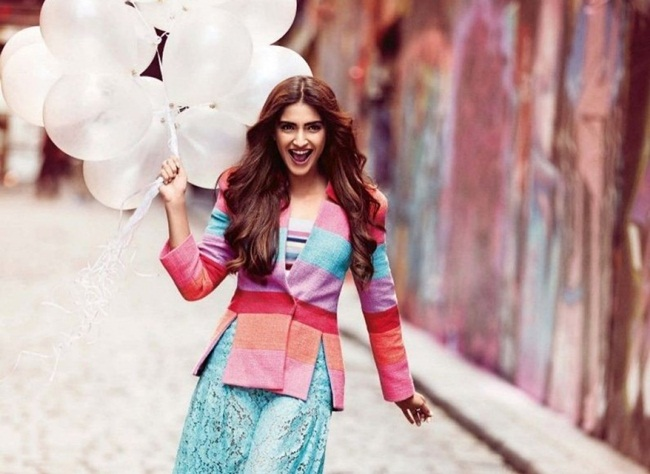 sonam-kapoor-photoshoot-for-vogue-december-2015- (2)