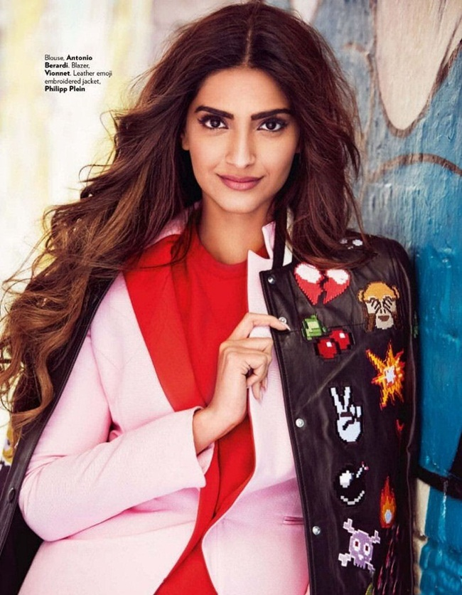 sonam-kapoor-photoshoot-for-vogue-december-2015- (4)