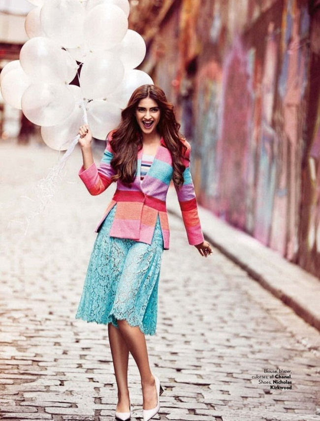 sonam-kapoor-photoshoot-for-vogue-december-2015- (6)