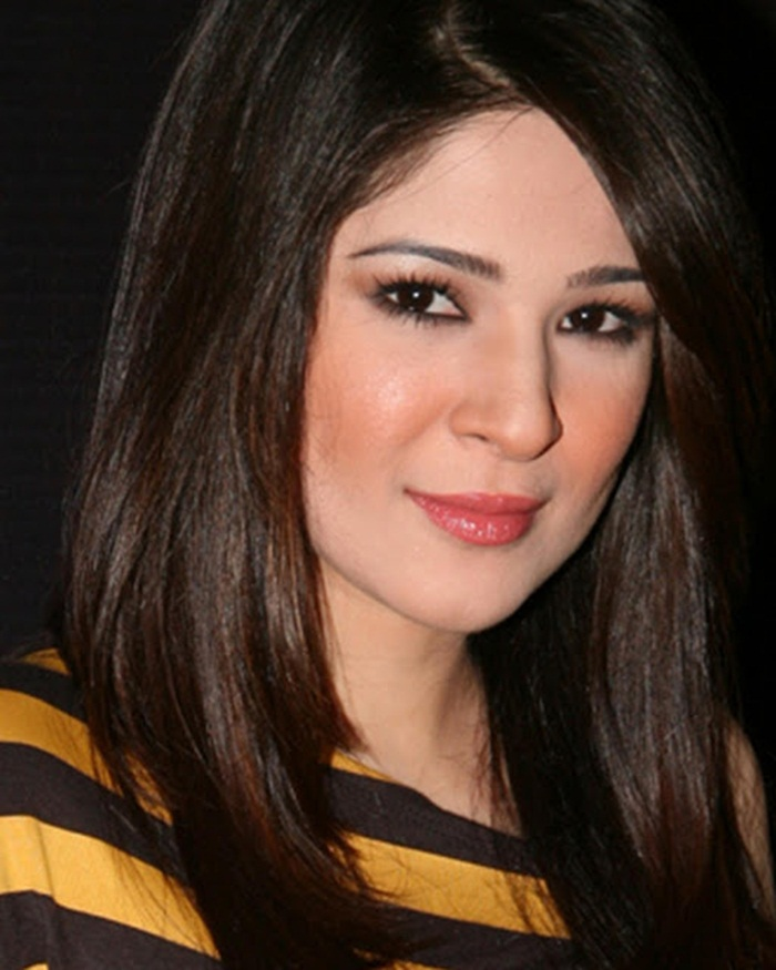 ayesha-omer-photos- (7)