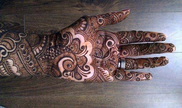 latest-mehndi-designs-for-eid-2016- (19)