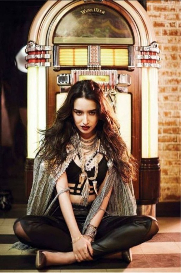 shraddha-kapoor-photoshoot-in-filmfare-magazine-june-2016- (6)