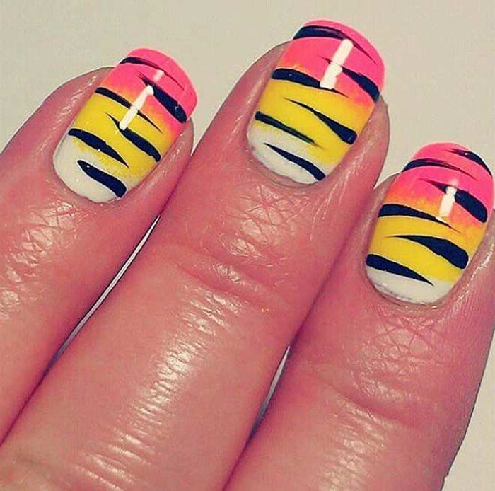 latest-nail-art-designs-for-eid-2016- (2)