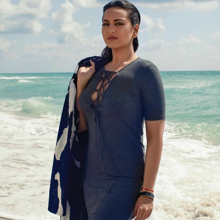 sonakshi-sinha-photoshoot-for-man's-world-magazine-2016- (2)
